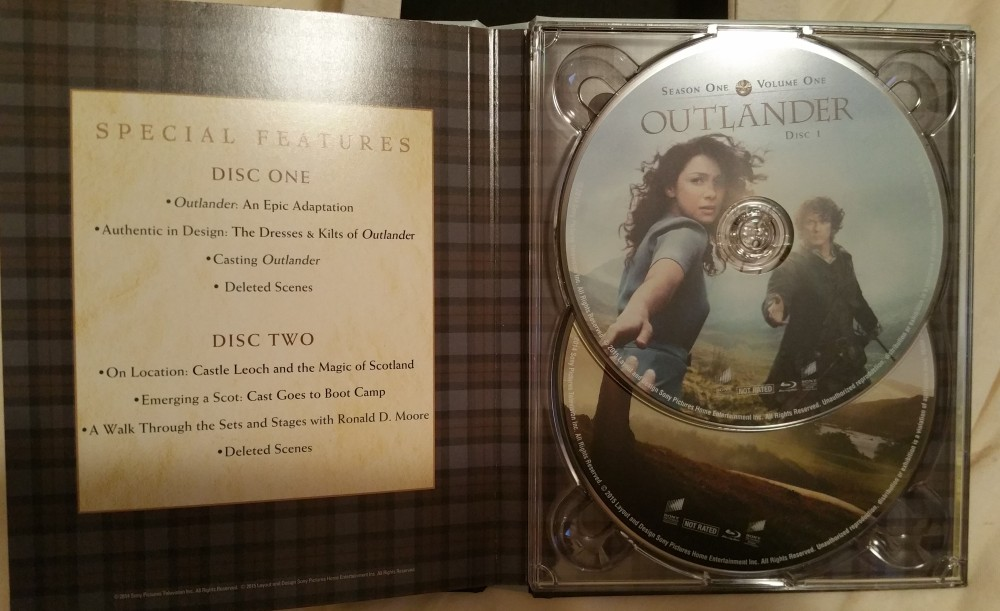 REVIEW: Outlander Does Epic Sh*t... Blu-ray Special Features and Stuff (5/6)